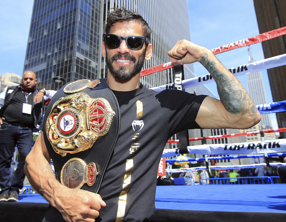 Jorge Linares with belt