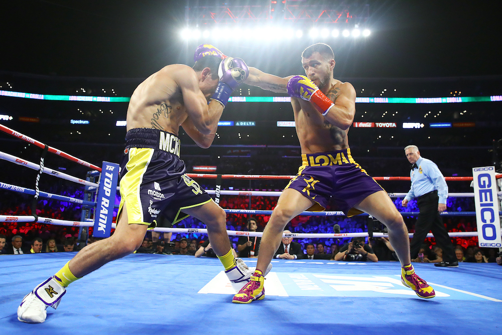 Vasiliy_Lomachenko_vs_Anthony_Crolla_action1