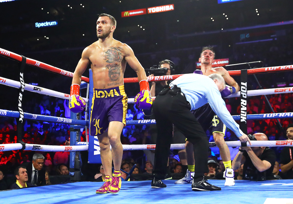 Vasiliy_Lomachenko_vs_Anthony_Crolla_knockdown1
