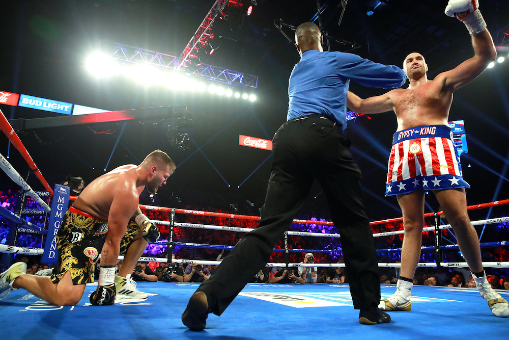 Tyson_Fury_vs_Tom_Schwarz_knockdown